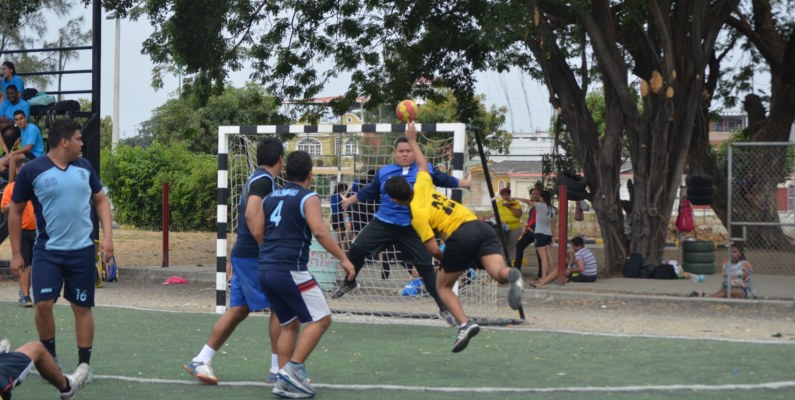 Los guayaquileños lideran el Campeonato Nacional de Balonmano
