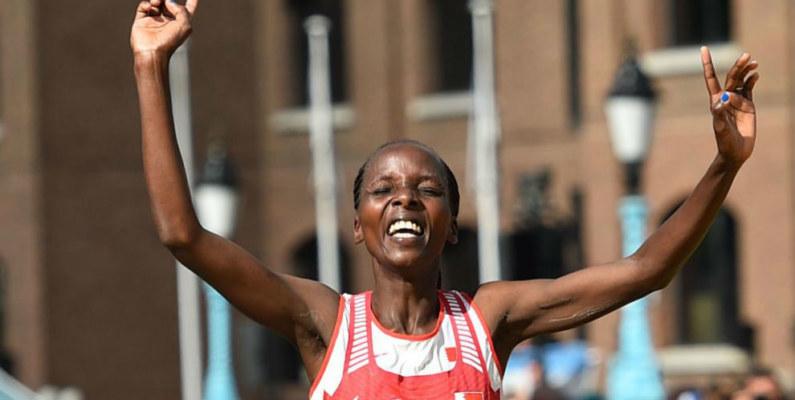 Rose Chelimo se quedó con la maratón en el Mundial de Atletismo