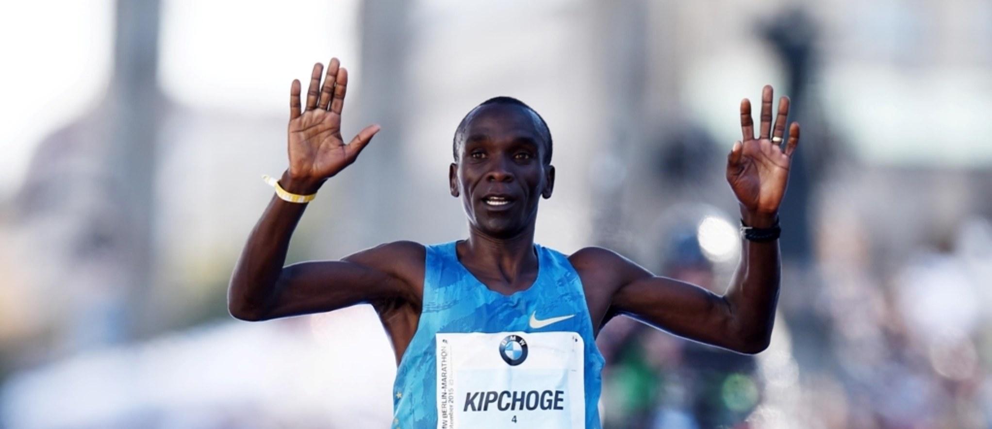Kipchoge gana la maratón de Berlín, pero sin lograr nuevo récord