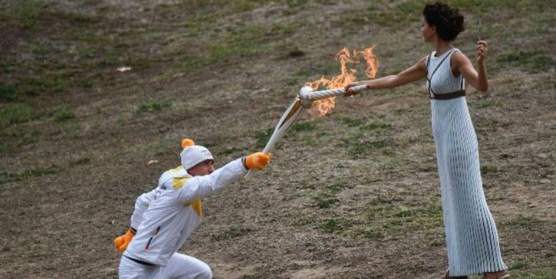 Se enciende la llama olímpica de los Juegos de Invierno de Pyeongchang 2018